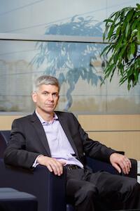 Джон Томсон (продажи и маркетинг Lexus в России) для CLR