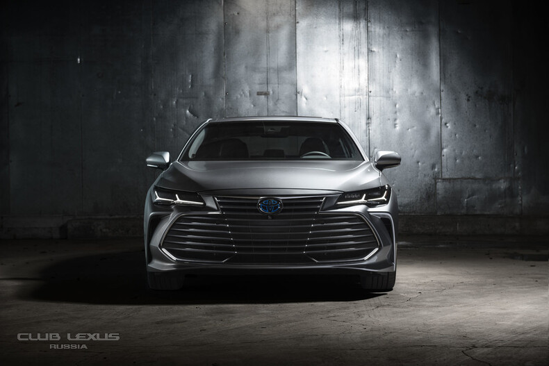 2019-Toyota-Avalon-4.jpg