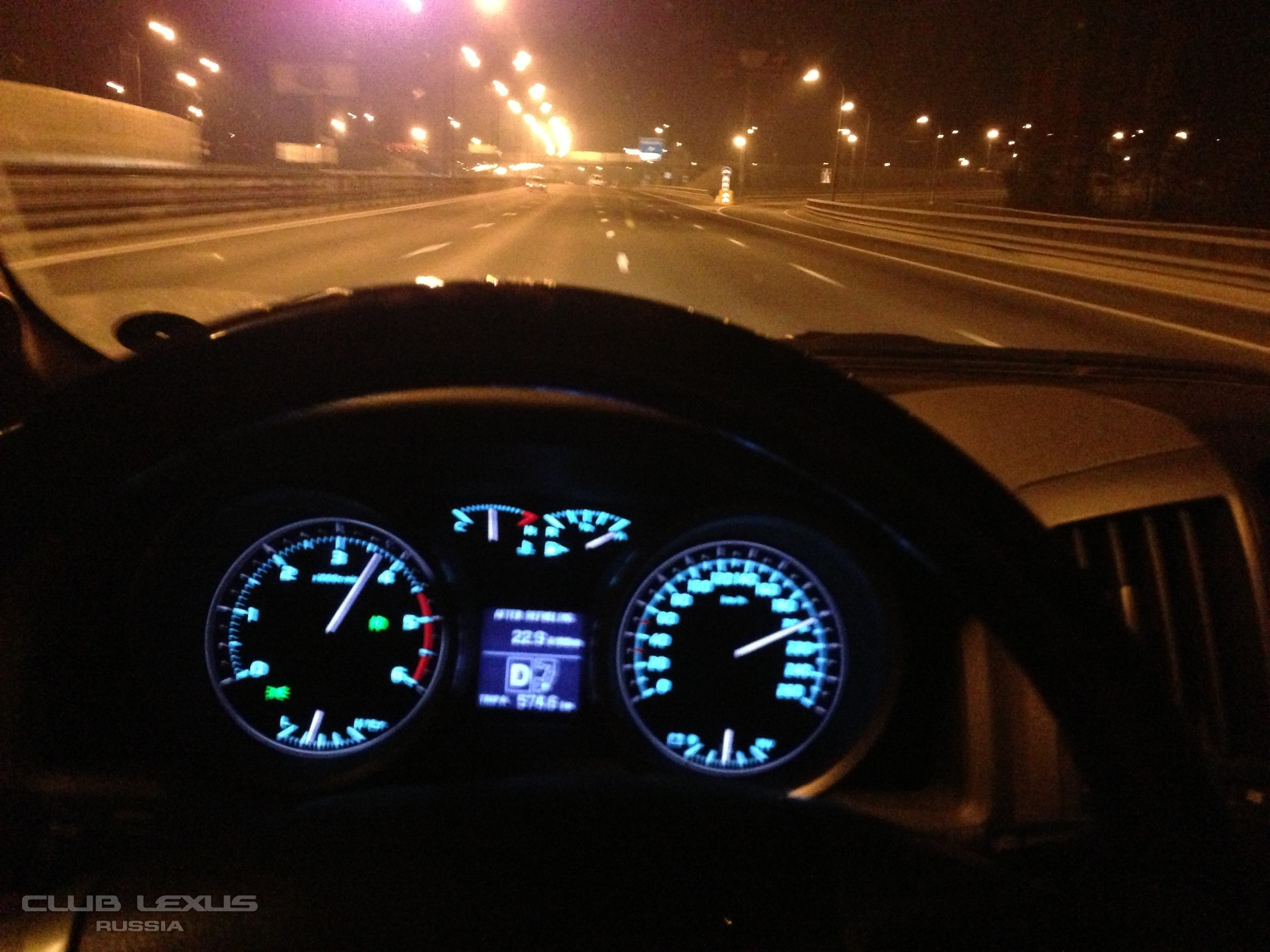машине 200 км час на машине такой
