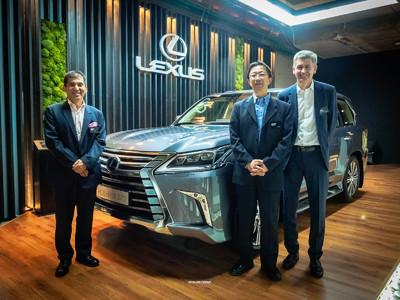 На клубные вопросы о новом Lexus LX отвечают японцы!